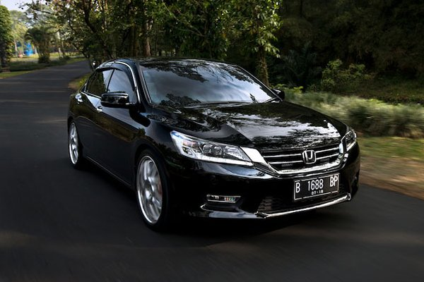 Honda Accord в легкой послепродажной настройке